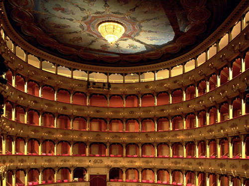 teatro rossini pesaro foto